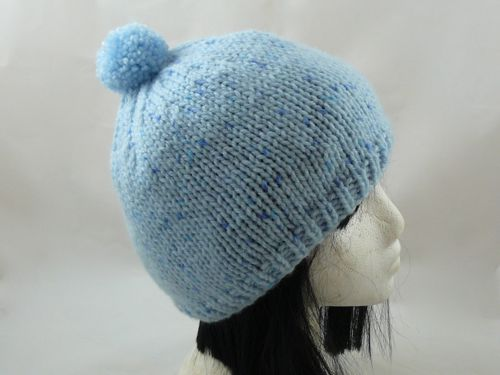 Here is a basic knitting pattern for a bobble hat. The bobble hat is made  using stocking stitch and uses chunky yarn. This free knitting pattern  produces a ... 67668952758