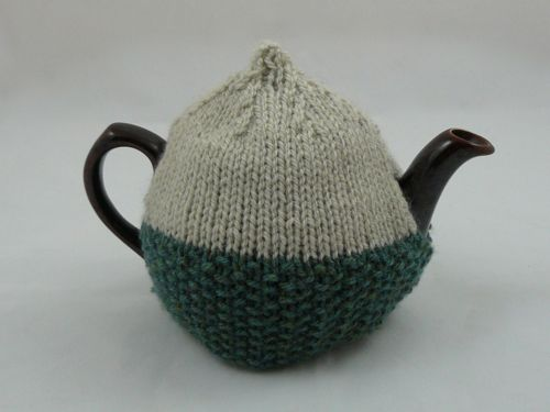 Acorn 2 Cup Tea Cosy | knitted tea cosy | free knitting pattern ...