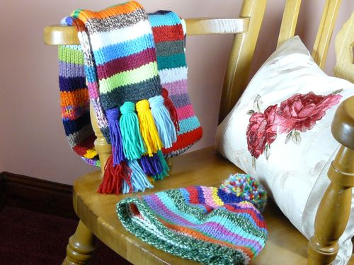 Striped scarf and hat | knitted bobble hat | knitted hat