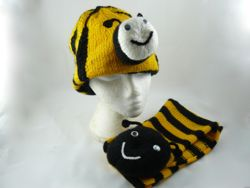 bubble bee hat and scarf